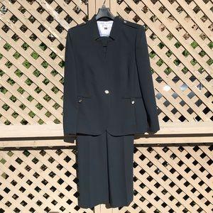 Navy Tahari 2-Piece Pant Suit - Size 16